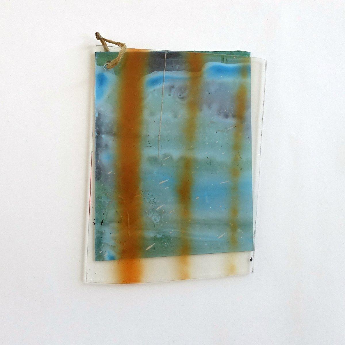 #1 Giel Louws, object kunststof en acrylverf, 18 x 13 cm