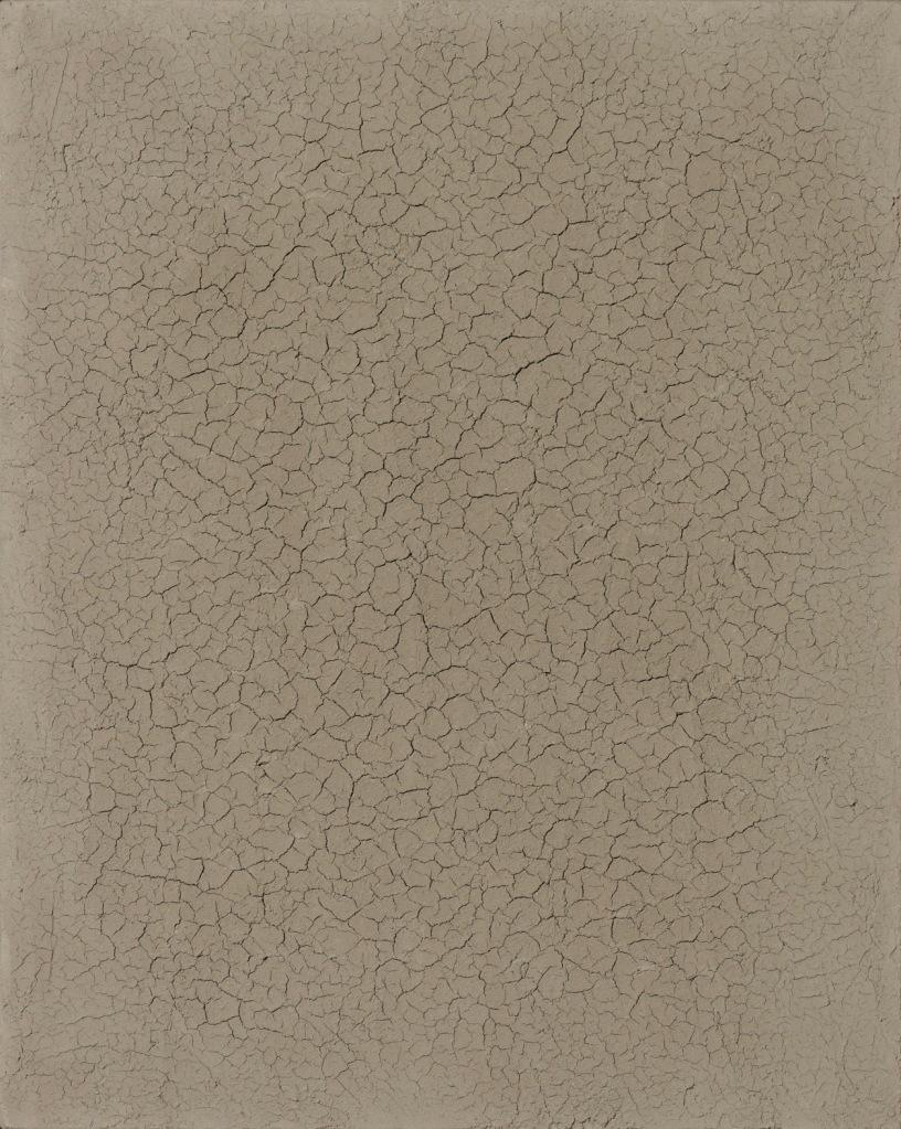 Hein van Delft, Footprints, waddenklei en ijzerdraad op ecoboard, 50x40 cm.