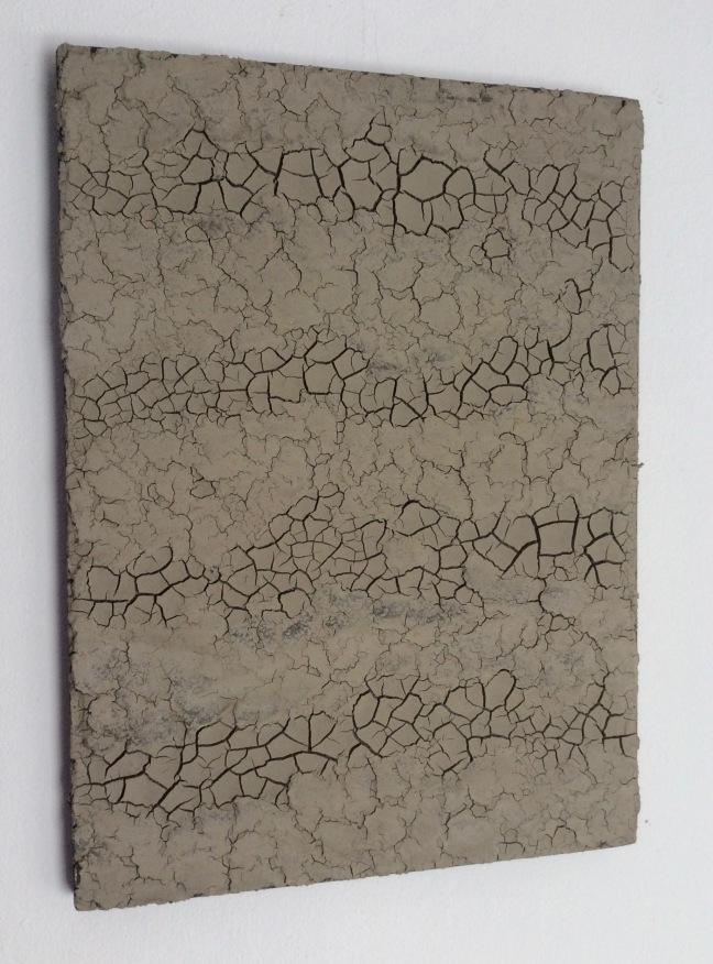 #19 Hein van Delft, Footprints, waddenklei en acrylverf op ecoboard, 27×20 cm