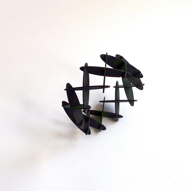 Leo Cahn, Criss Cross, armband, magnesium