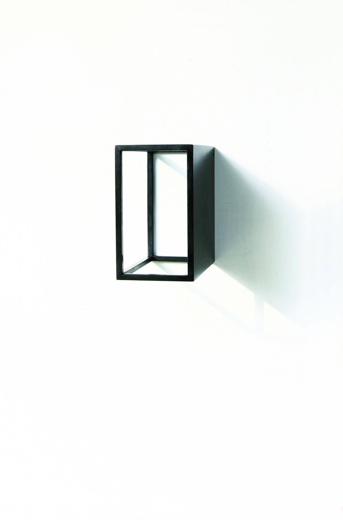 #46 Riki Mijling, Resonance Shape-Q, 2010, gebrand staal, 13x7,6x13 cm